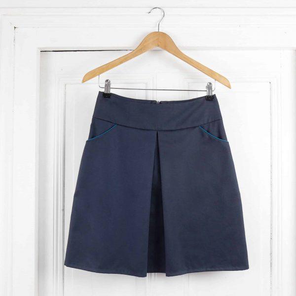 jupe Séléné courte carbone passepoil turquoise aux poches