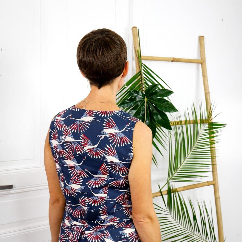 Robe en coton bio imprimé oiseaux graphique bleu et rouge dos