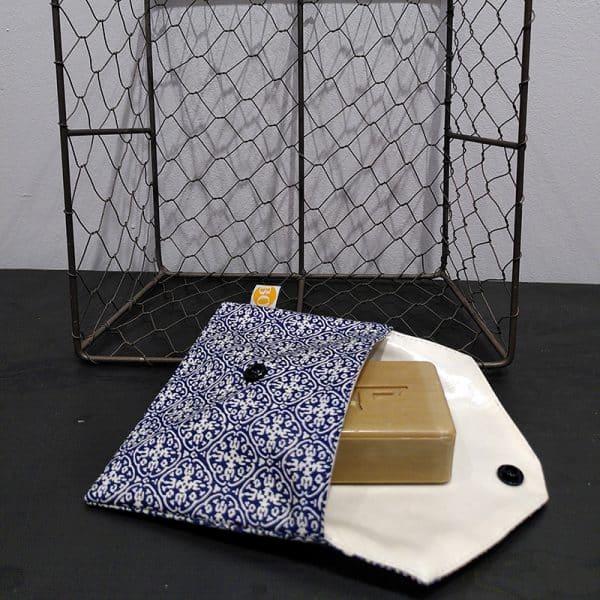 pochette à savon azulejos ouverte